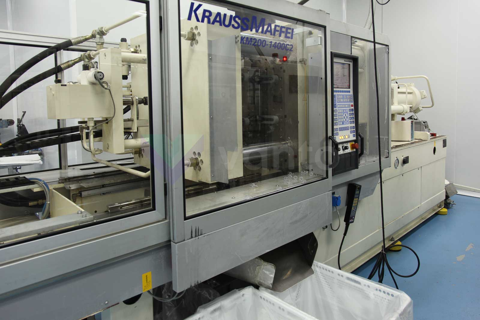 KRAUSS MAFFEI KM 200-1400 C2 200t injection molding machine (2002) id3447