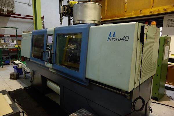 SANDRETTO MICRO 400 / 107 40t injection molding machine (1996) id3997