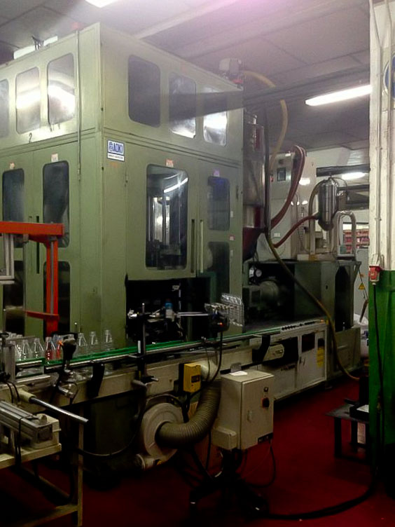 Machine de moulage par injection / stretch / soufflage AOKI SBIII-250LL-50 (1995) id4552