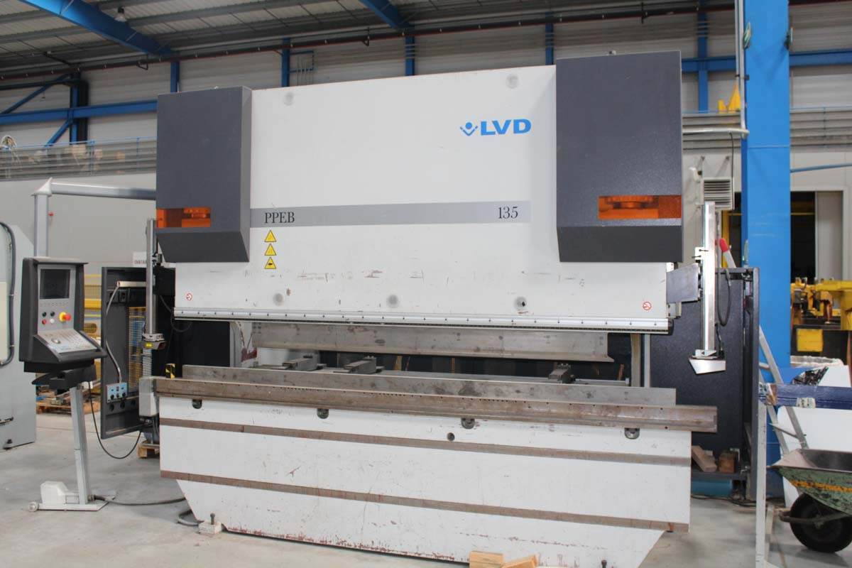 LVD PPEB 135/30 CNC Bending machine (2003) id10214