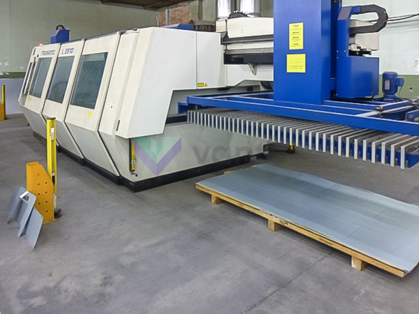 Machine de découpe laser (CO2) TRUMPF TRUMATIC L2510 (2005) id5292