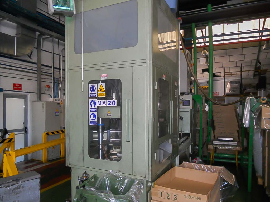 AOKI SBIII-100-20 PET injection and blow machine (1997) id5005