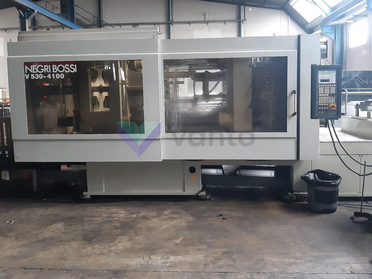 Machine de moulage par injection 530t NEGRI BOSSI CANBIO V530 - 4100 (2006) id10370