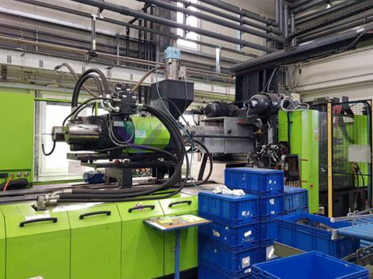 ENGEL DUO 3550H / 330V / 600 600t bimaterial injection molding machine (2011) id10436