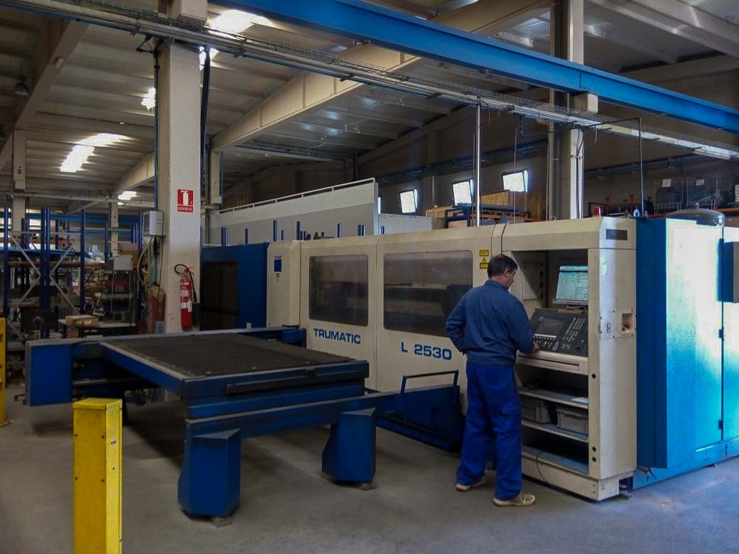 Machine de découpe laser (CO2) TRUMPF TRUMATIC L2530 (1998) id5060