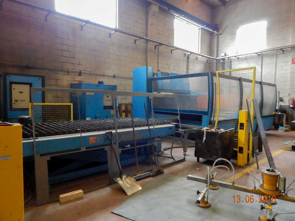 PRIMA INDUSTRIE PLATINO 1530 Laser cutting machine (CO2) (2002) id5393