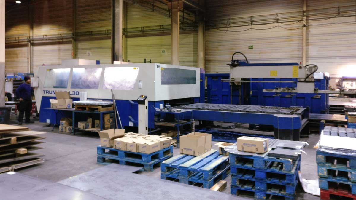 Machine de découpe laser (CO2) TRUMPF TRUMATIC L3050 (2002) id5433