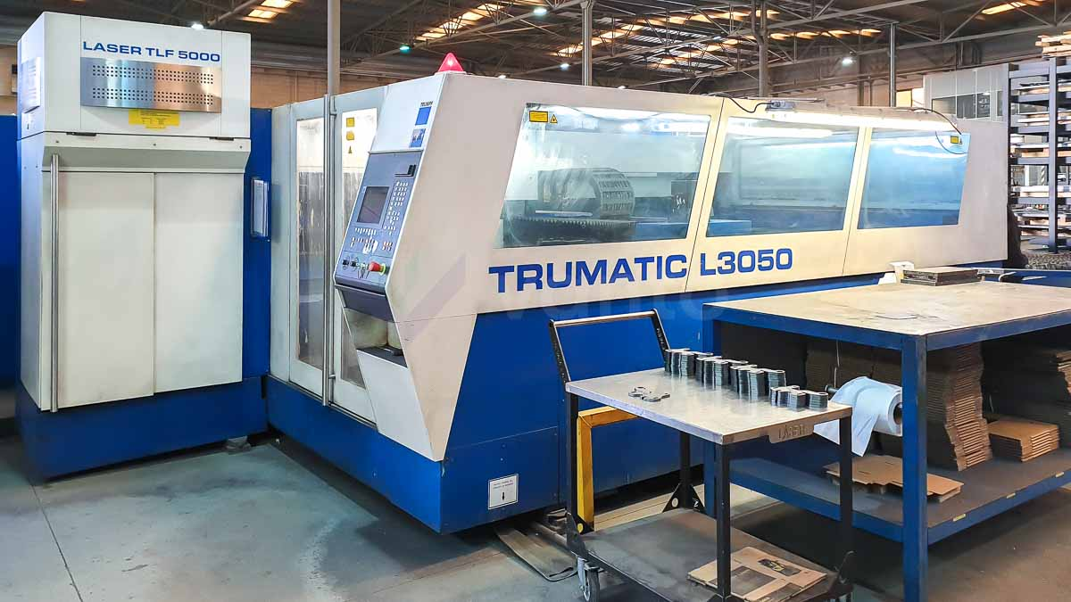 Machine de découpe laser (CO2) TRUMPF TRUMATIC L3050 (2002) id10111