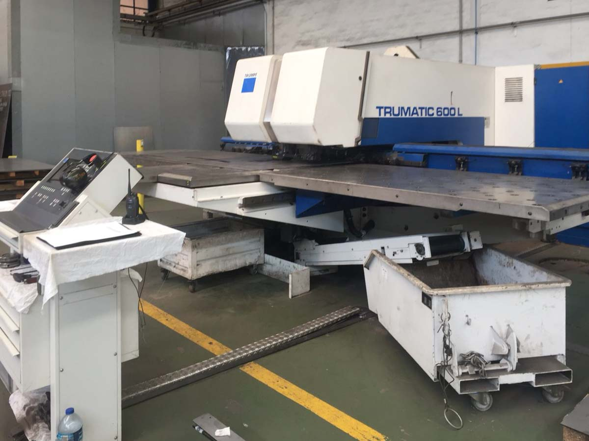 TRUMPF TC 600 L - 1600 Combined laser punching machine (CO2) (1999) id10243