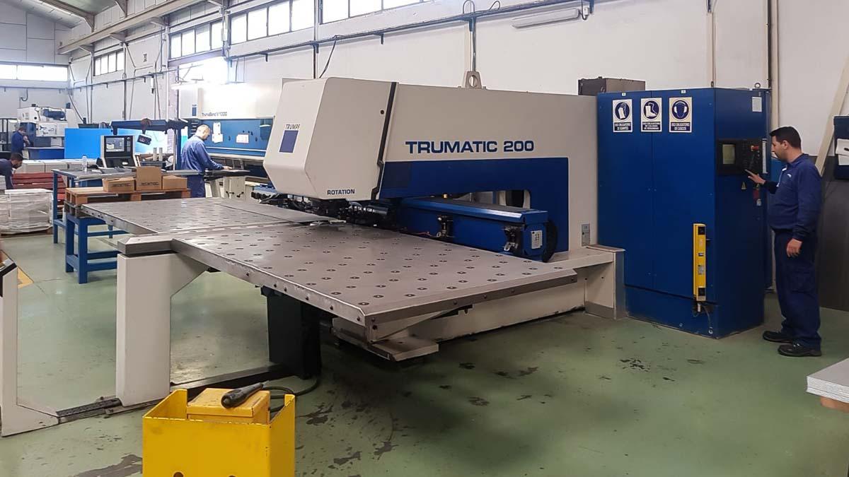 TRUMPF TC 200 R CNC punching machine (1999) id10185