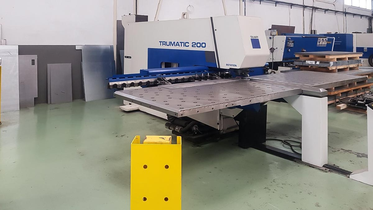 TRUMPF TC 200 R CNC punching machine (2001) id5590