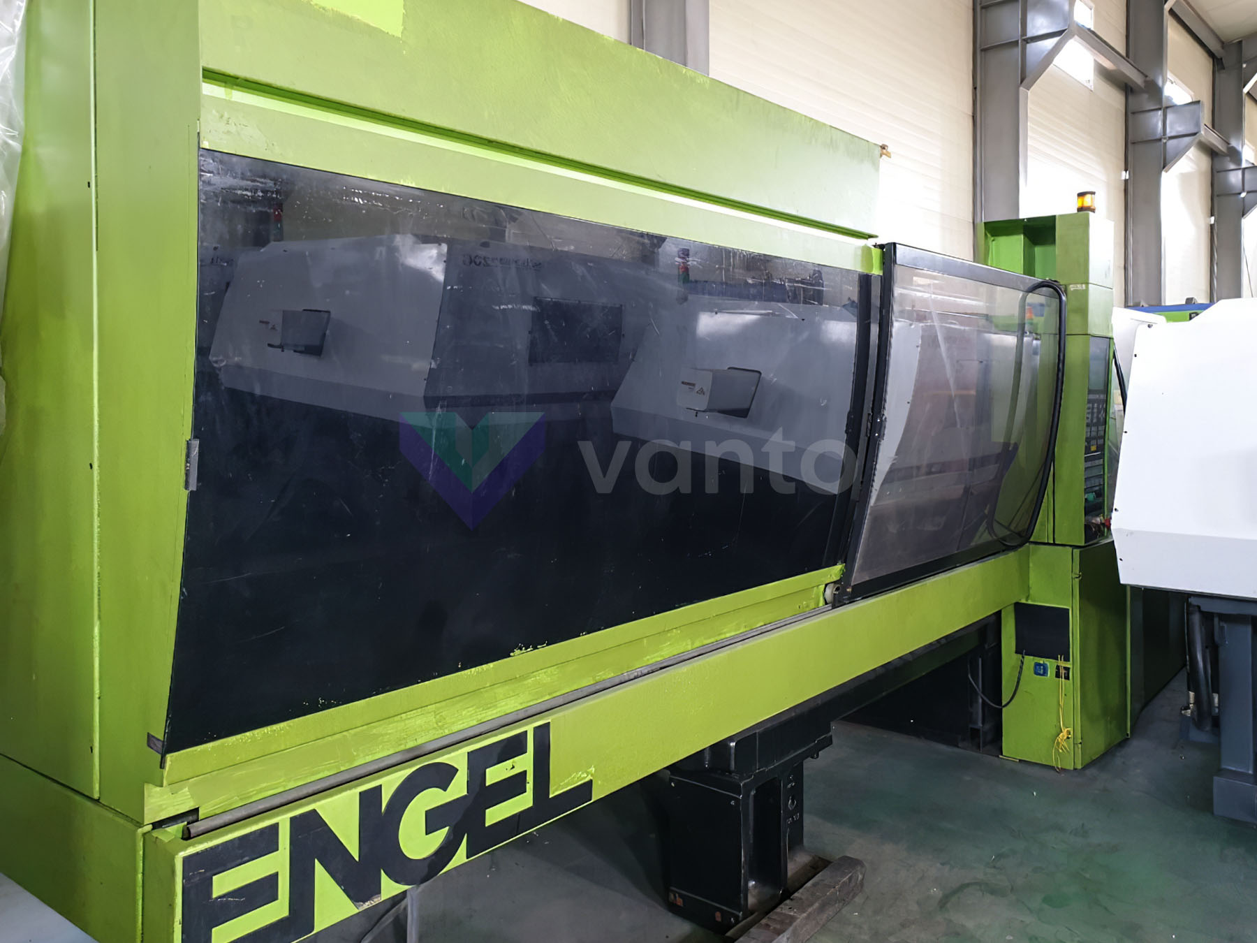 Machine de moulage par injection 300t ENGEL ES 750 / 300 HL PRO SERIES (2003) id10450