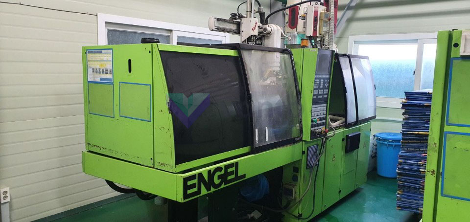 Machine de moulage par injection 45t ENGEL ES 80 / 45 HL-Pro Series (2003) id10351