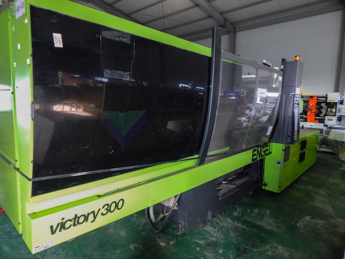 Machine de moulage par injection 300t ENGEL VICTORY VC 1800 / 300 TECH PRO (2013) id10175