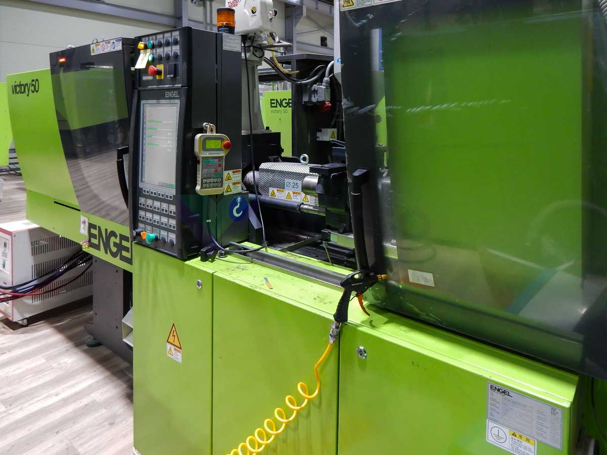 ENGEL VICTORY VC 200 / 50 TECH PRO 50t injection molding machine (2012) id10108