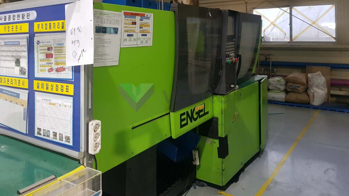 ENGEL VICTORY VC 200 / 50 TECH PRO 50t injection molding machine (2007) id10330