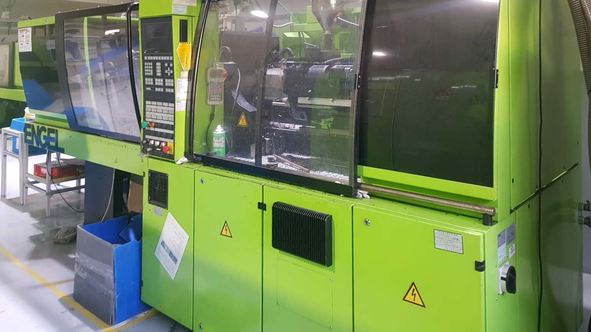 ENGEL VICTORY VC 330 / 120 TECH PRO 120t injection molding machine (2004) id10266