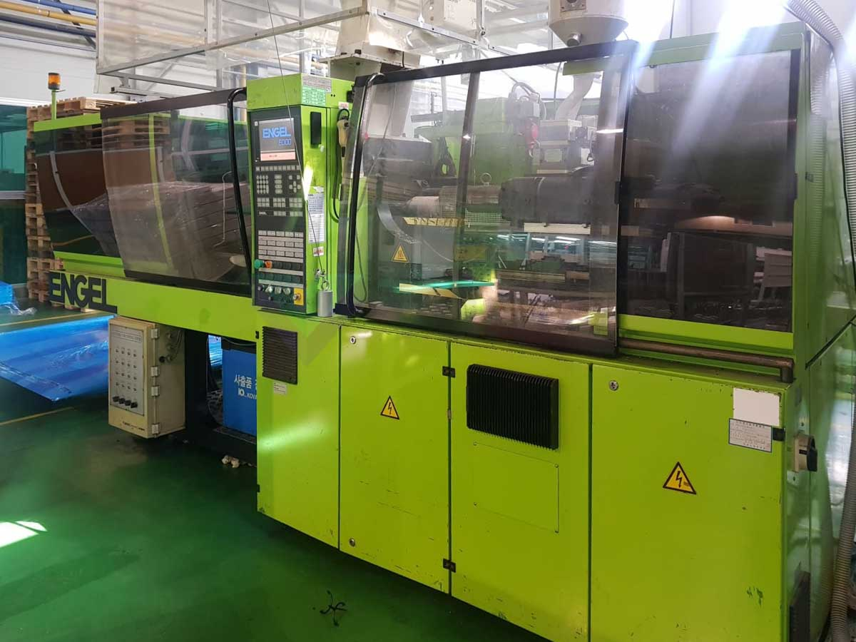 ENGEL VICTORY VC 330 / 120 TECH PRO 120t injection molding machine (2004) id10169