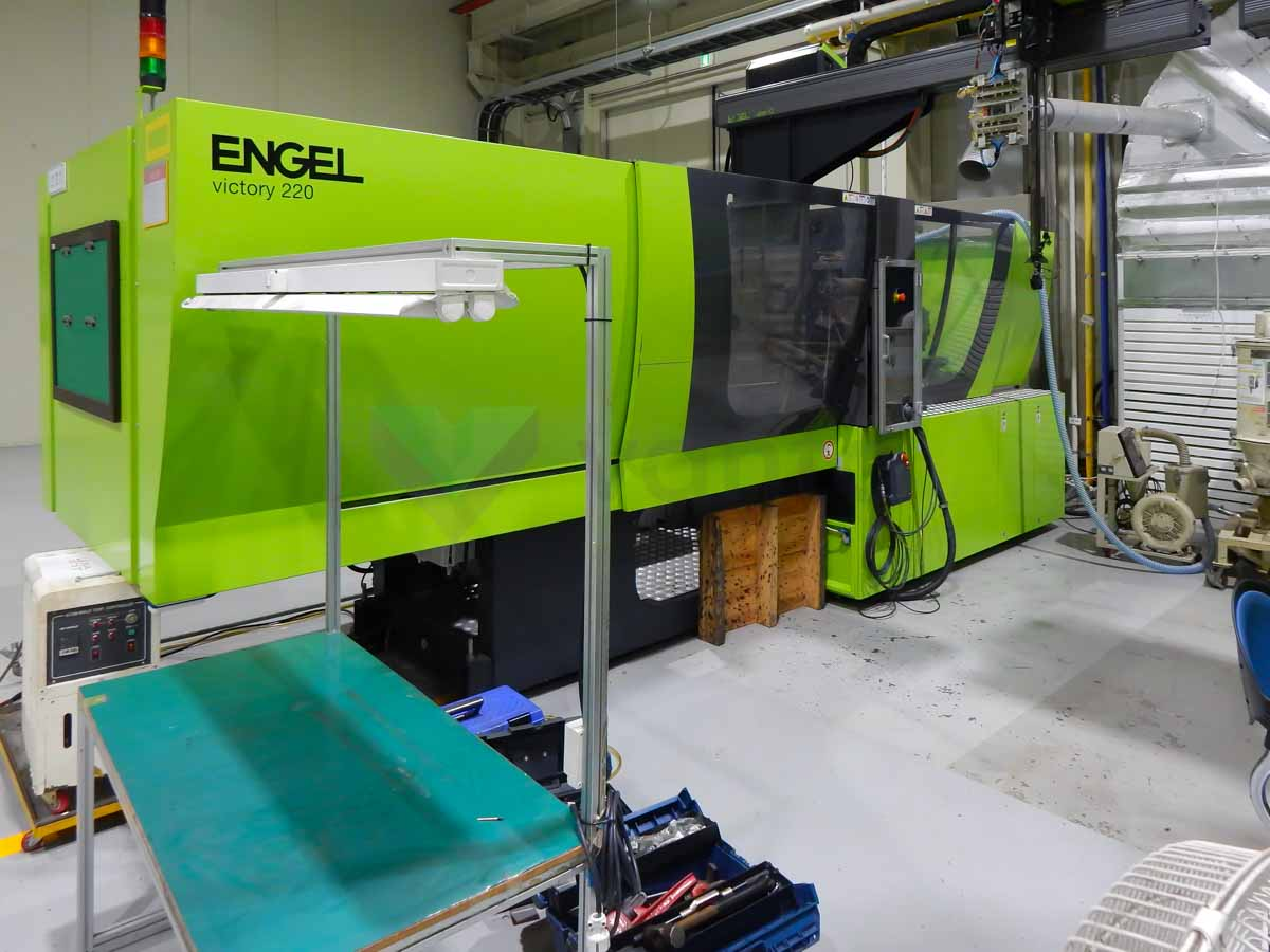 ENGEL VICTORY VC 500 / 220 TECH PRO 220t injection molding machine (2016) id10138