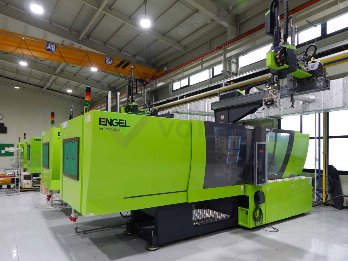 Machine de moulage par injection 220t ENGEL VICTORY VC 500 / 220 TECH PRO (2016) id10136