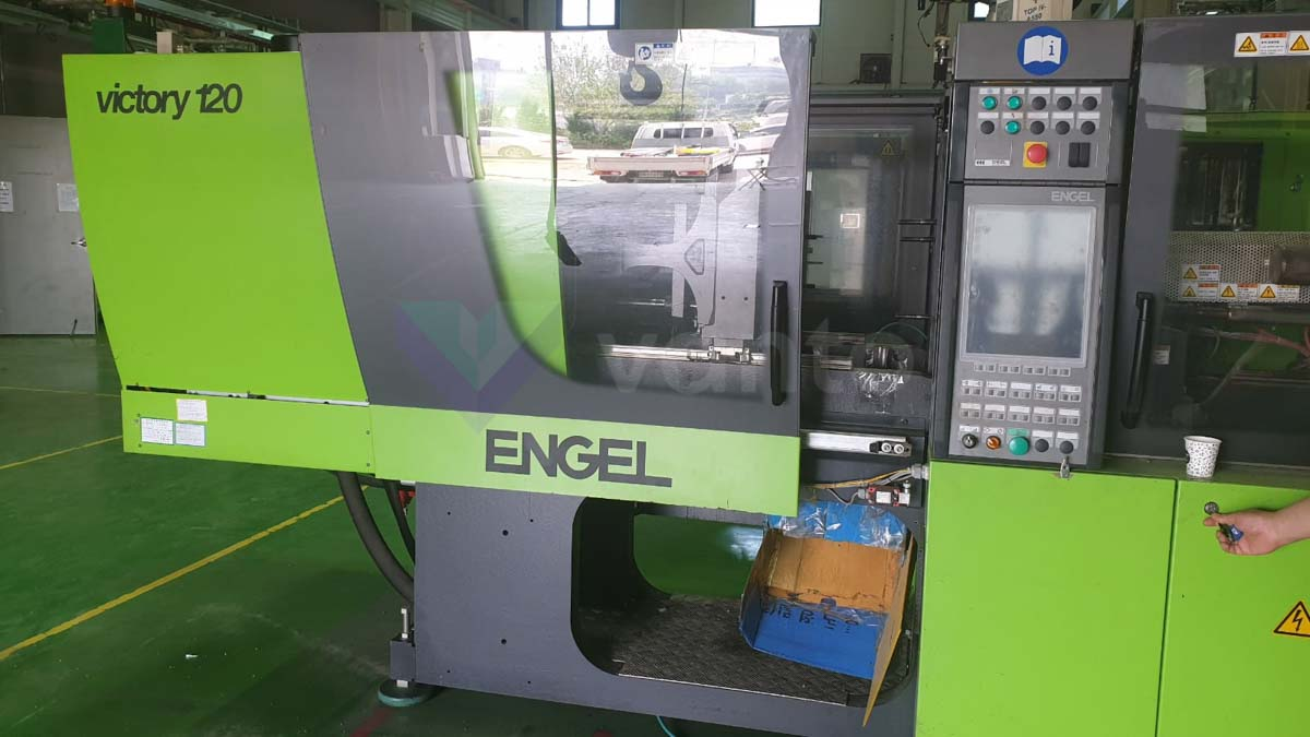 ENGEL VICTORY VC 330 / 120 TECH PRO 120t injection molding machine (2009) id10207