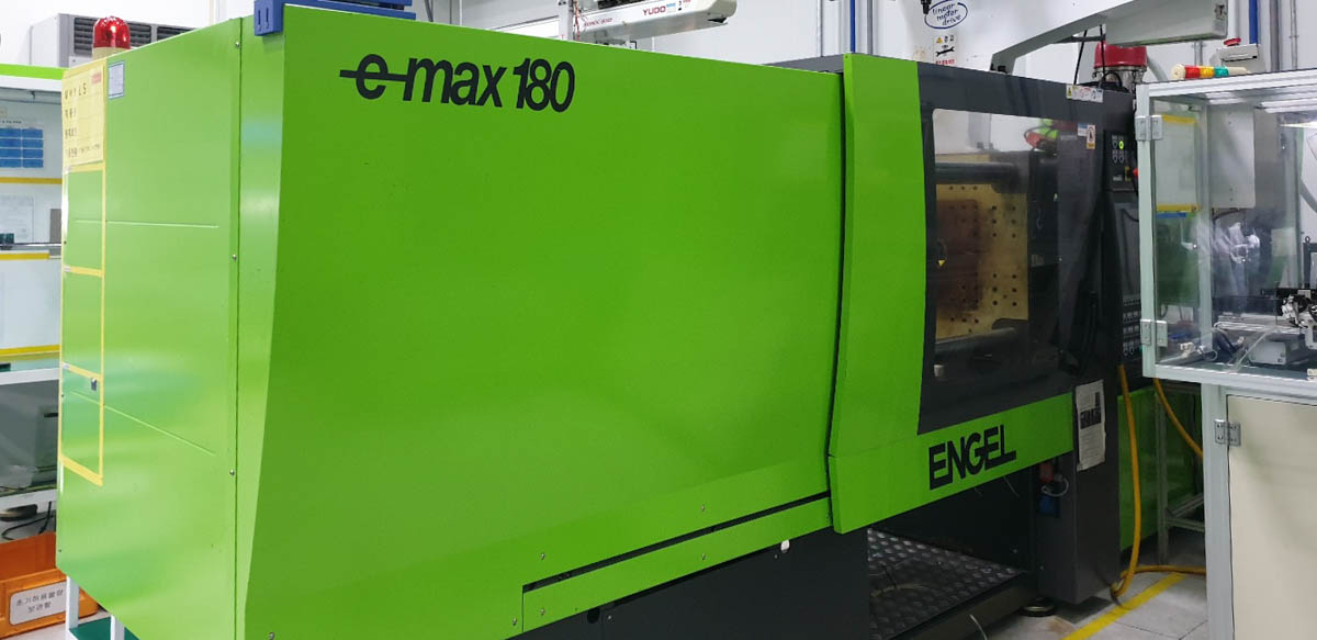 ENGEL E-MAX 440 / 180 PRO 180t all-electric injection molding machine (2012) id10284