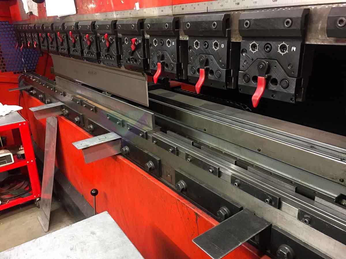 AMADA HFE-L 100 3 CNC Bending machine (2004) id10119