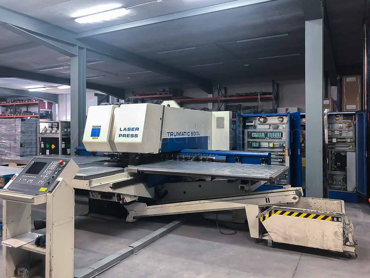 TRUMPF TC 600 L - 1300 Combined laser punching machine (CO2) (2000) id10116