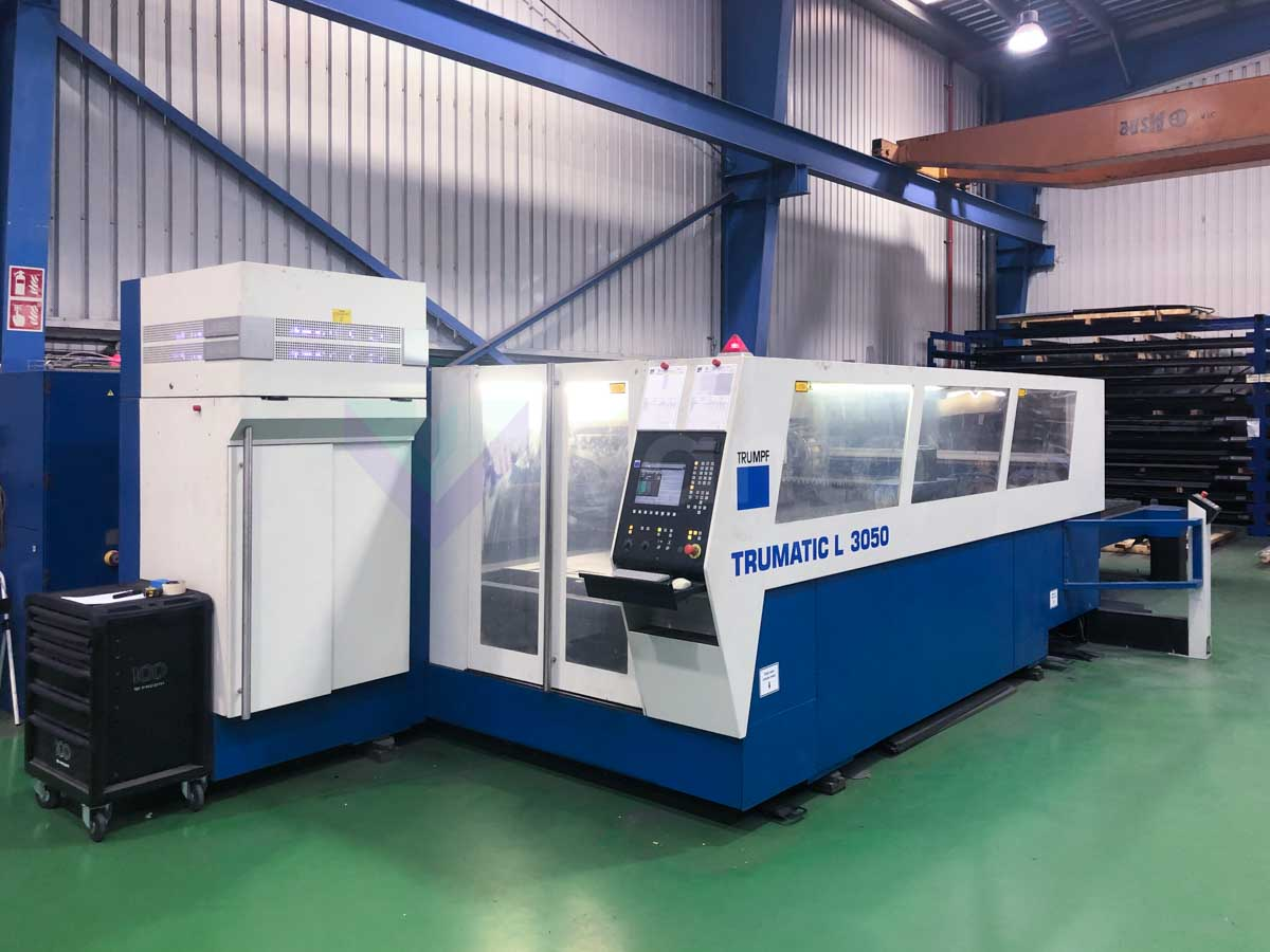 TRUMPF TRUMATIC L3050 Laser cutting machine (CO2) (2006) id10196