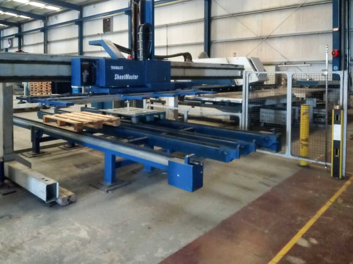 TRUMPF TRUMATIC 500R CNC punching machine (2001) id10237