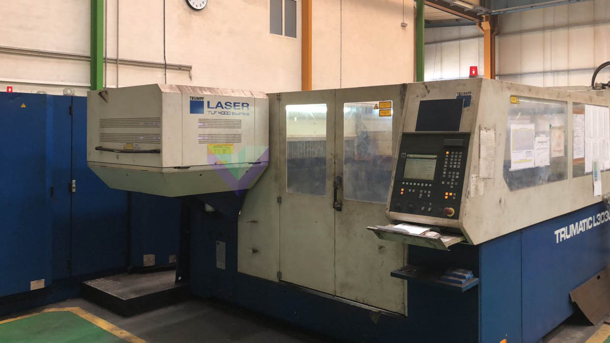 Machine de découpe laser (CO2) TRUMPF TRUMATIC L3030 (2000) id10257