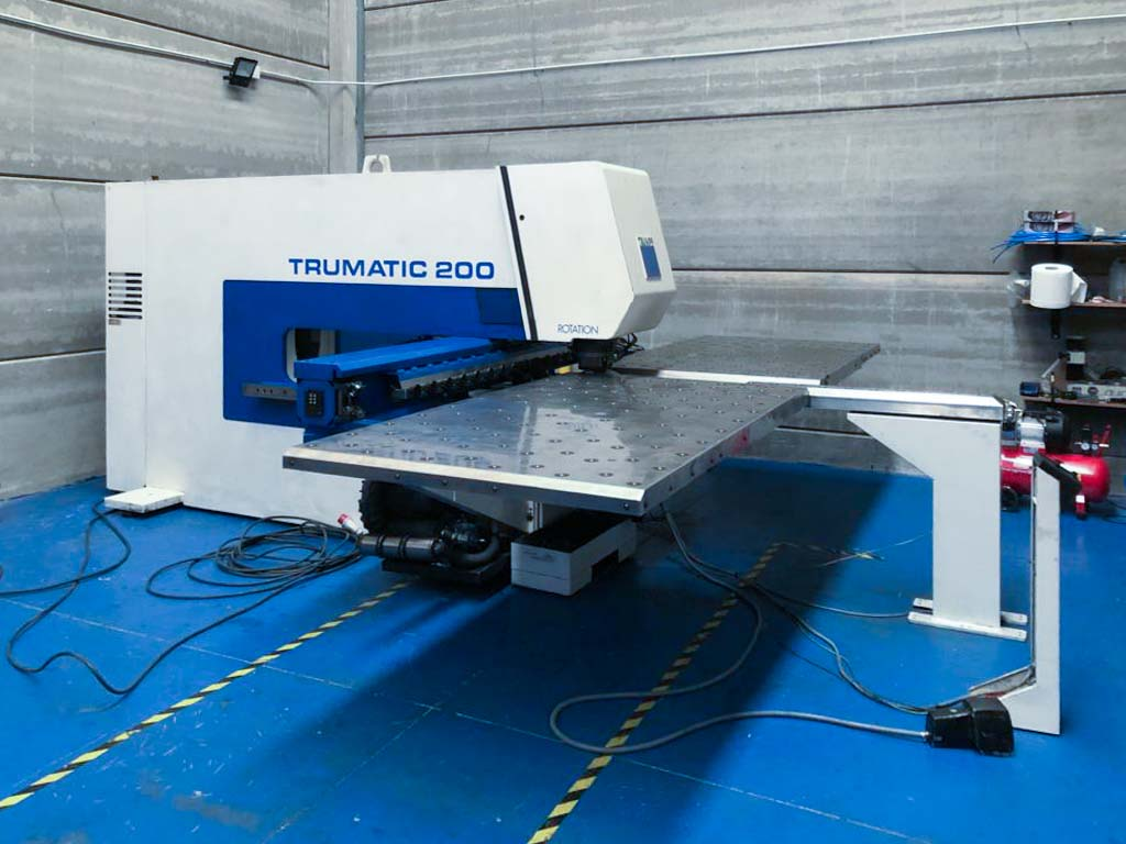 TRUMPF TC 200 R CNC punching machine (1998) id10273