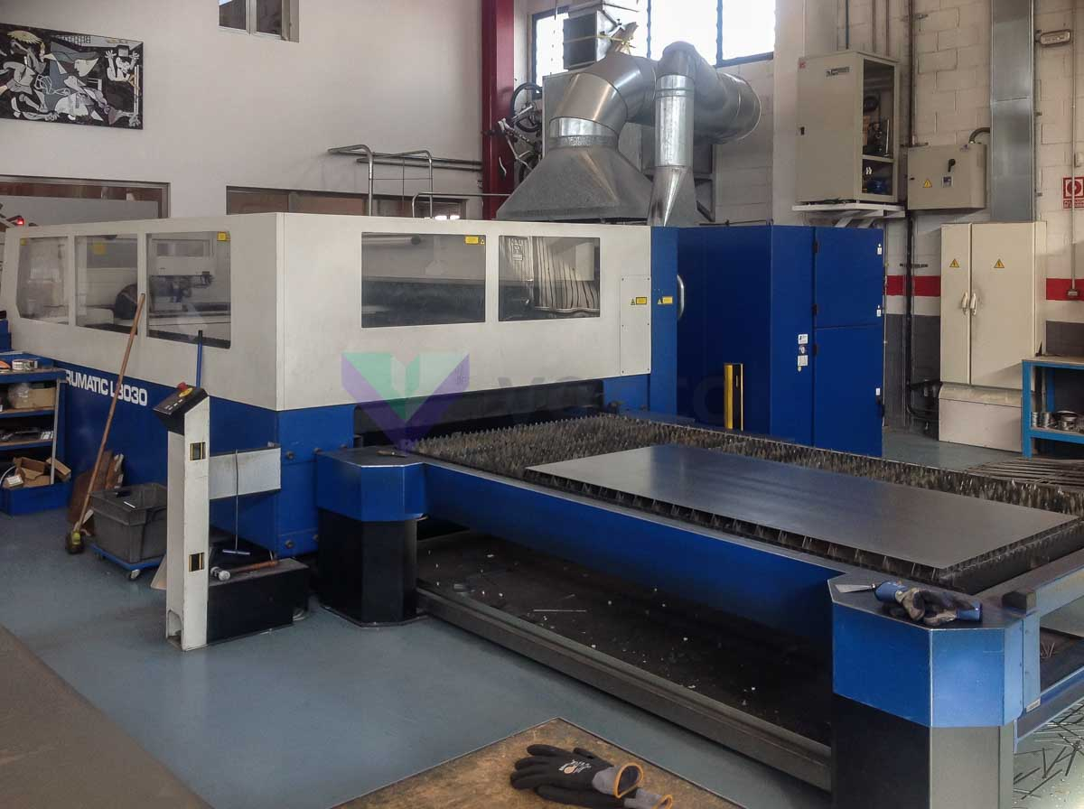 Machine de découpe laser (CO2) TRUMPF TRUMATIC L3030 (2006) id10312