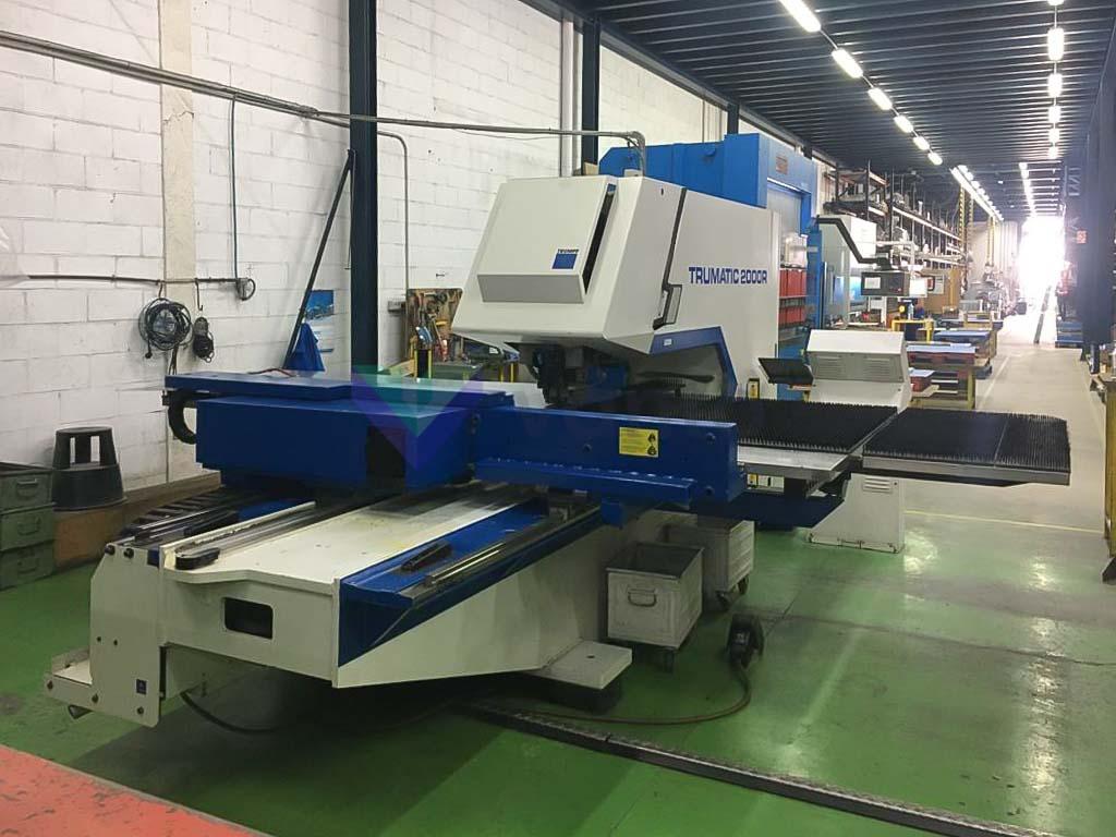 TRUMPF TC 2000 R CNC punching machine (2003) id10435