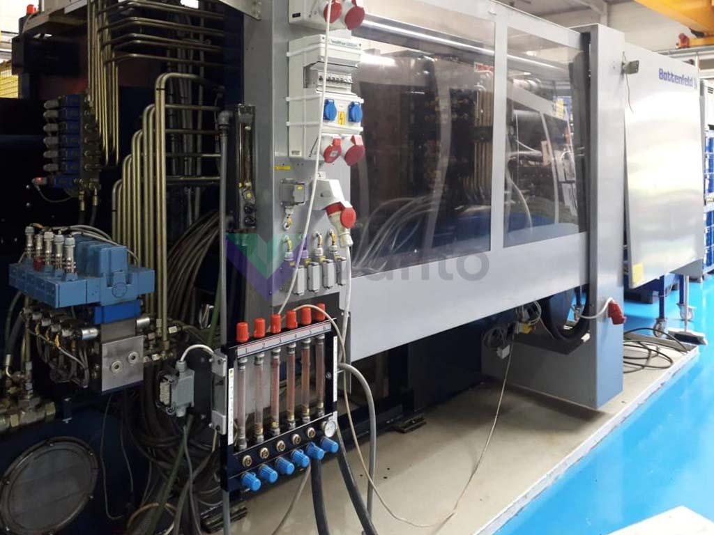 BATTENFELD HM 4500 / 2800 450t injection molding machine (2004) id10599