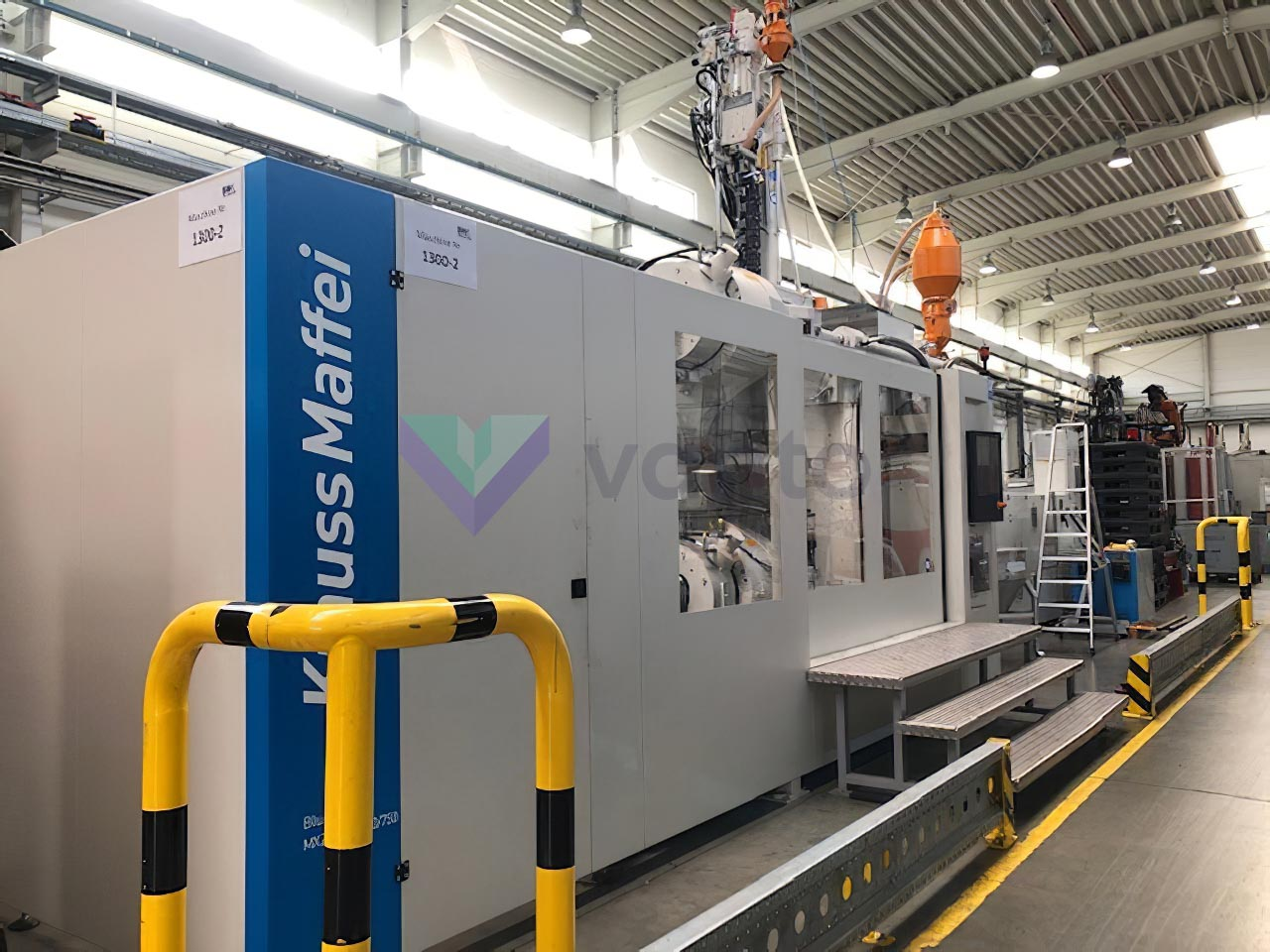 KRAUSS MAFFEI KM 1300-8100-750 CX Z 1300t bimaterial injection molding machine (2019) id10476