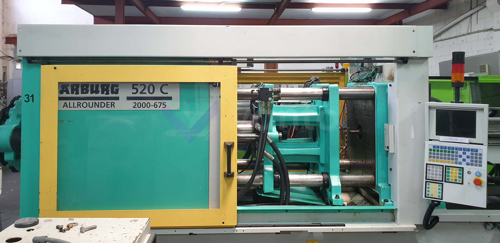 ARBURG 520C 2000-675 200t injection molding machine (2000) id10564