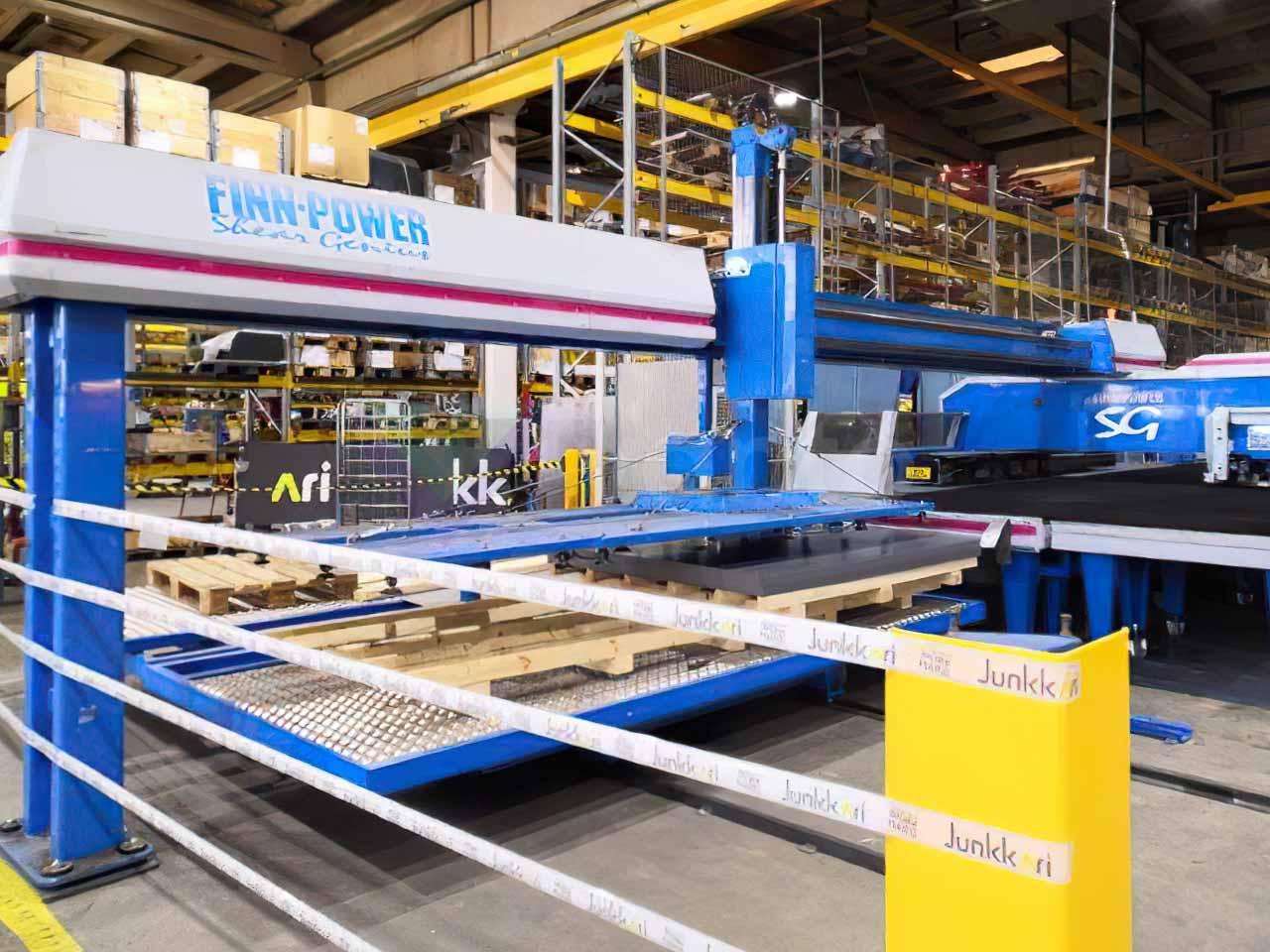 FINN POWER TRS6 CNC-Scherstanzmaschine (2000) id10573
