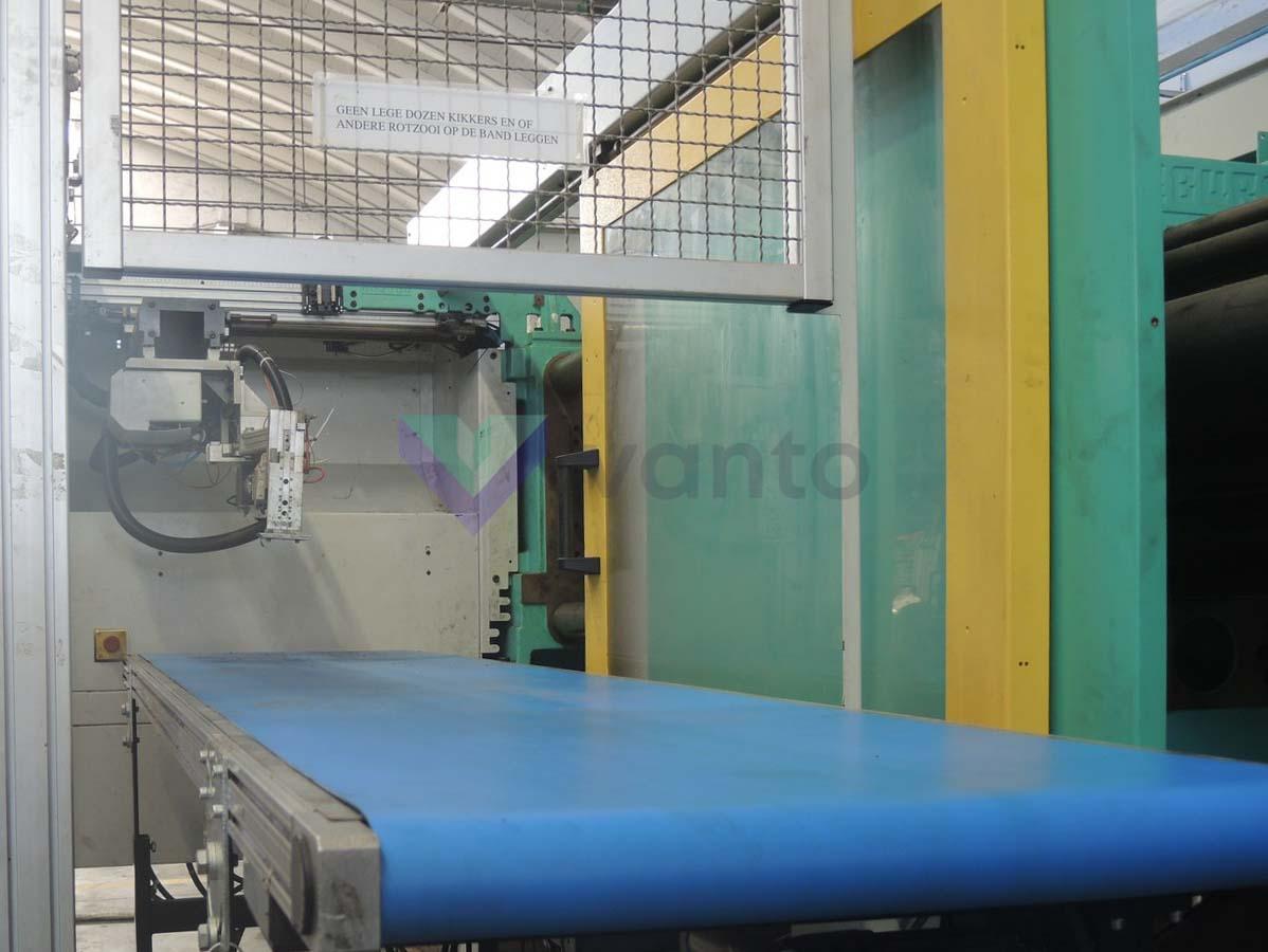 200t enjeksiyonu kalıplama makinesi ARBURG 520C 2000-675 (2000) id10600